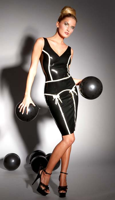 Latex-Pin-Up-Mekko---Musta-3960-1.jpg